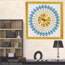 Y5068 Tranh đính đá Đồng hồ họa tiết lông con công màu xanh kích thước siêu nhỏ 50x50 cm